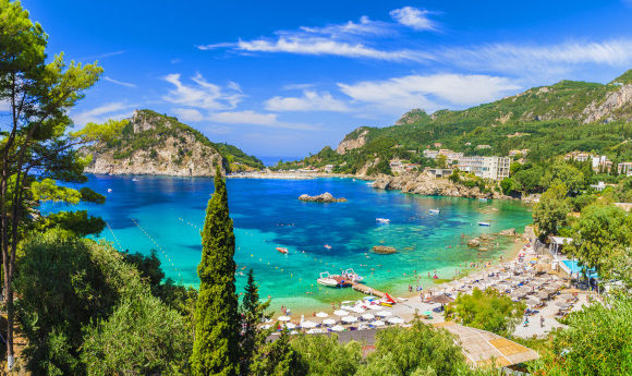 The-breathtaking-Palaiokastritsa-Beach-on-the-island-of-Corfu-Greece-580x345